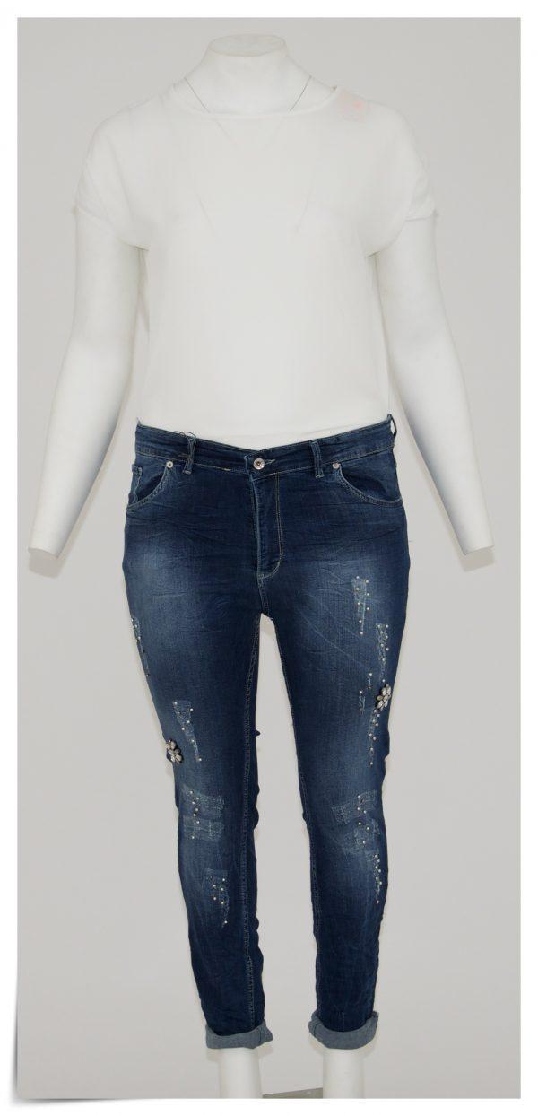 Jeans colore blu, 5 tasche bottone e cerniera, graffi e perline argento e nere, applicazioni di strass a forma di fiore