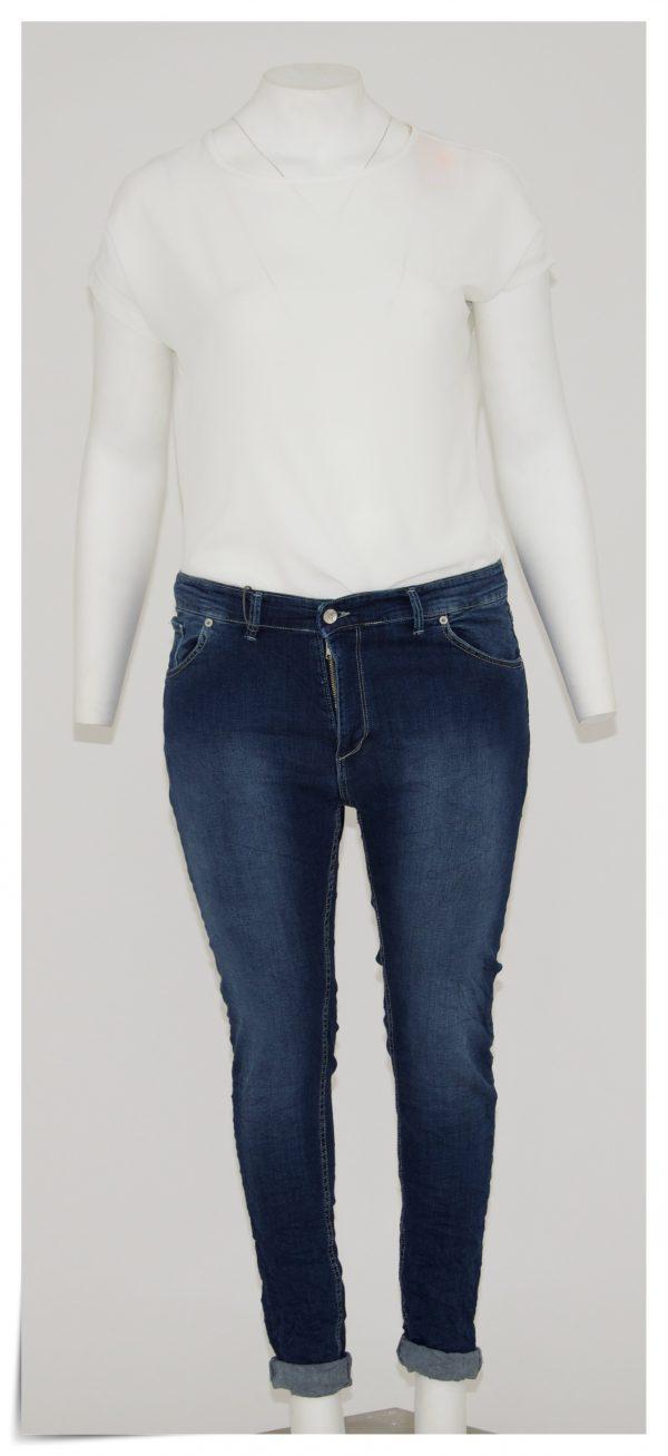Jeans colore blu, 5 tasche cerniera e bottone, pulito