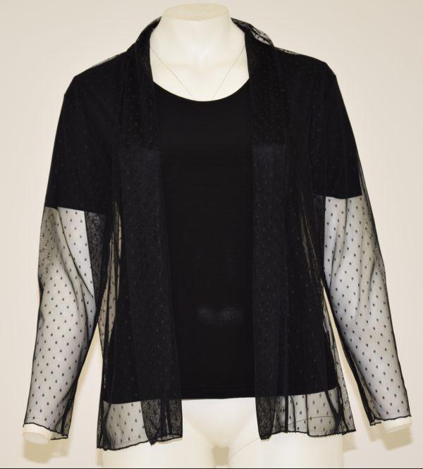 Maglia doppia: t-shirt nera di base e sopra tulle a pois neri con manica lunga