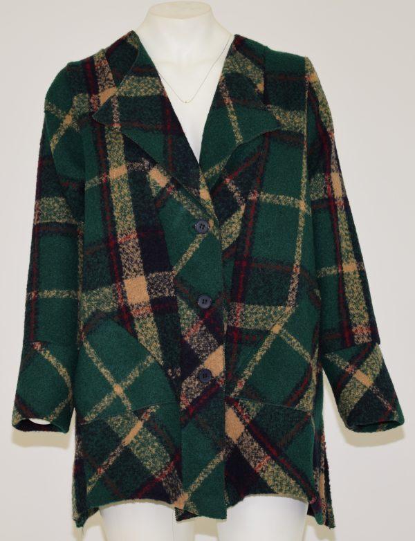Cappotto scozzese in lana cotta con davanti apertura a 3 bottoni e due tasche laterali