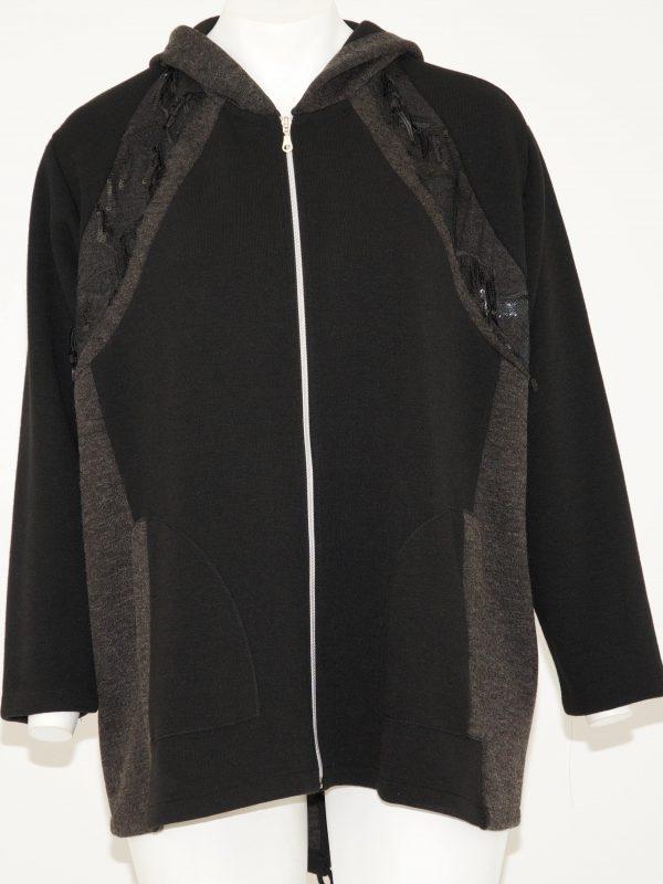 Felpa con cappuccio grigio, cerniera zip e 2 tasche, colore base nero ma davanti due bande laterali grigie con in alto applicazioni di paillettes
