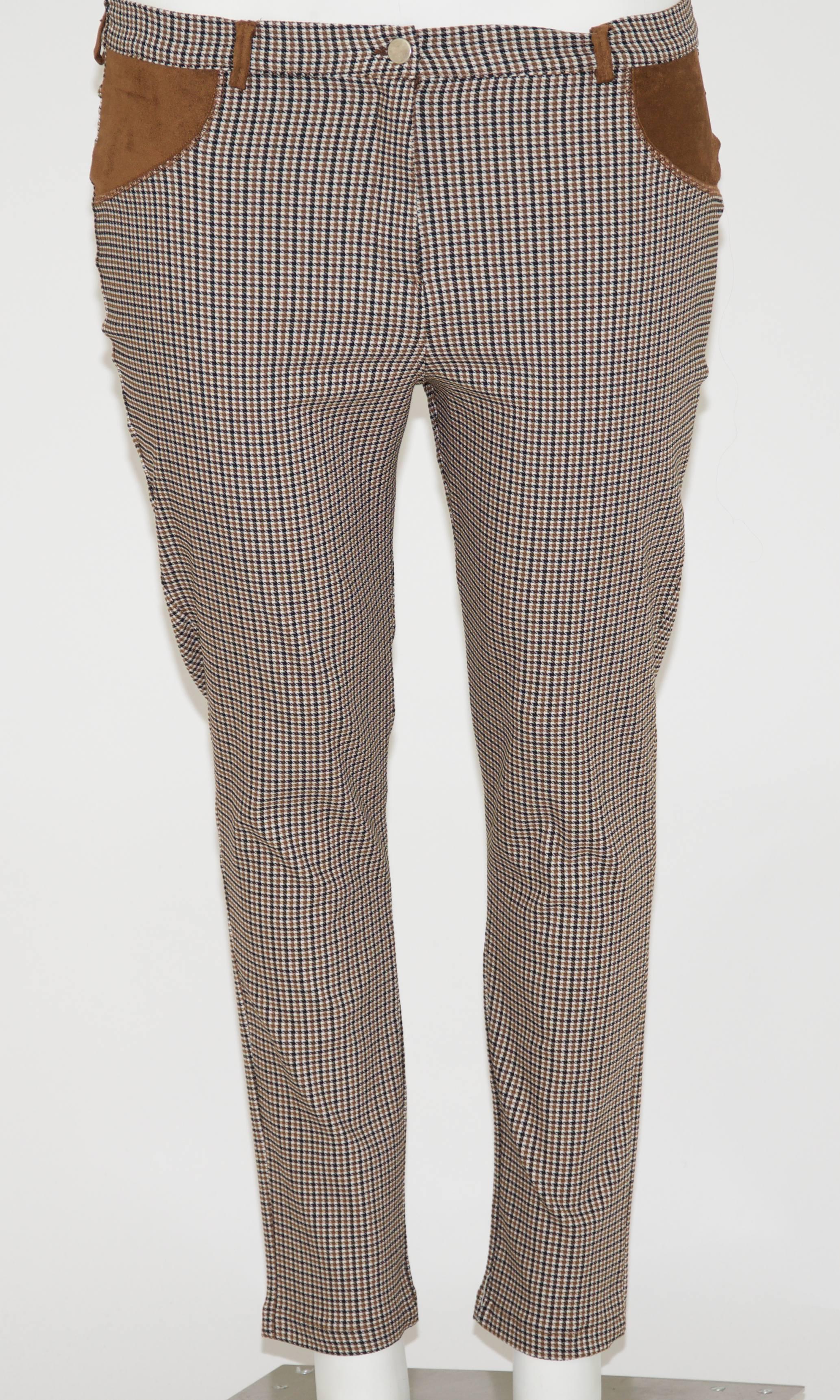 bc651968f7cb Pantalone scozzese con apertura a bottone e zip, applicazioni davanti e  dietro in tessuto di