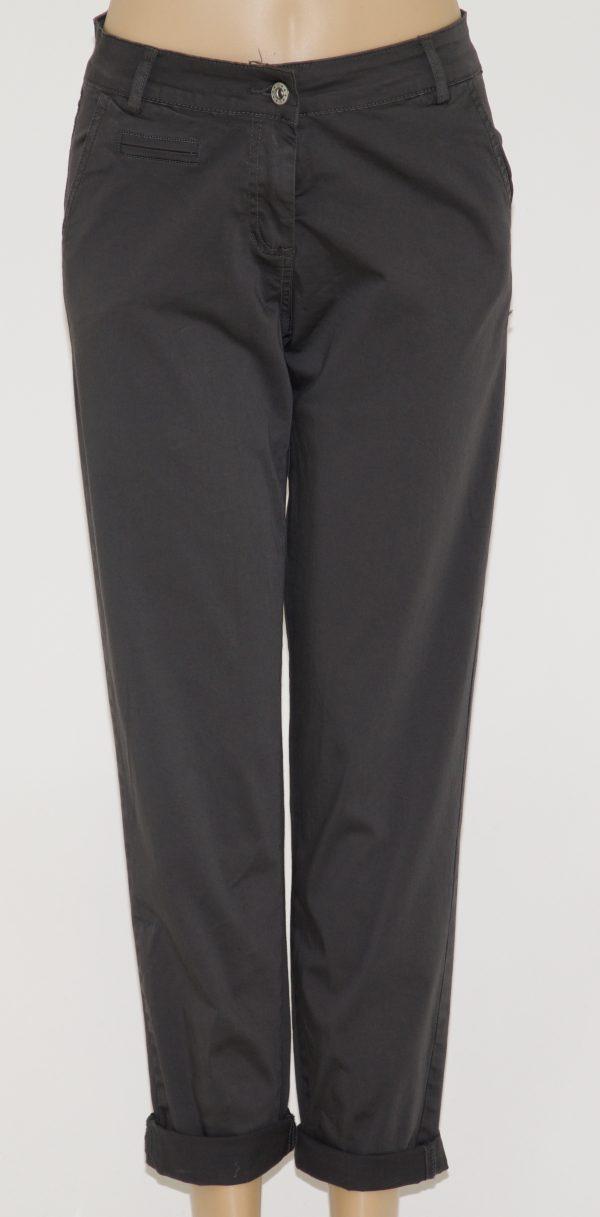Pantalone tinta unita, 4 tasche e apertura con bottone e zip